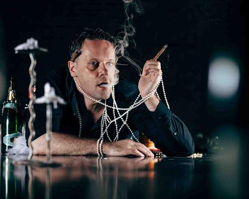 Louis Laberge-Co^te_-Smoke & Pearls-ph by Jeremy Mimnagh-sm